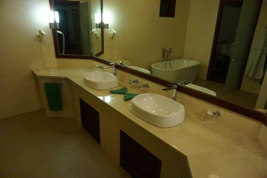 Thulhagiri Island Resort : DSC08050_large.jpg
