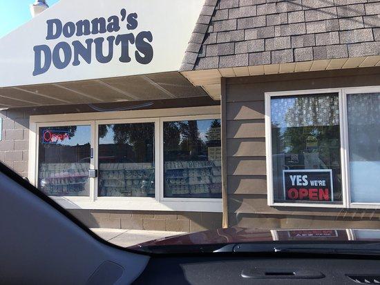 Donna's Donuts: photo1.jpg