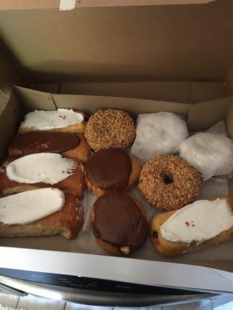 Donna's Donuts: photo2.jpg