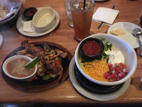 Shiloh, IL: Combination Fajita Entree with Shrimp & Chicken.