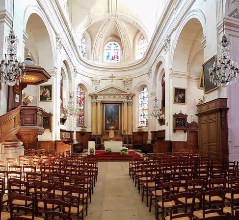 Eglise Notre-dame De Chantilly