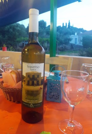 Traverso: Τraverso house wine