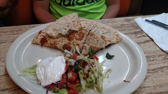 Salsa's: Steak Quesadilla (YUMMY)