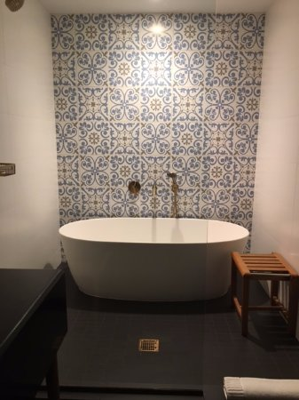 This Beautiful Bath In The Large Bathshower Room Inside The