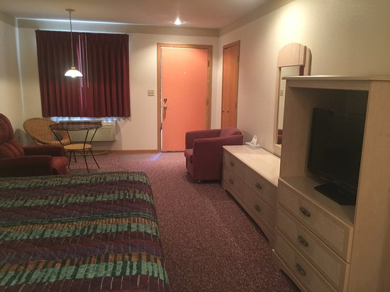 Greybull, WY: King Suite