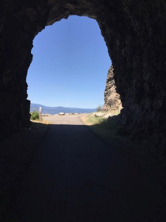 Kettle Valley Railway Trail: KVR Tunnel looking north