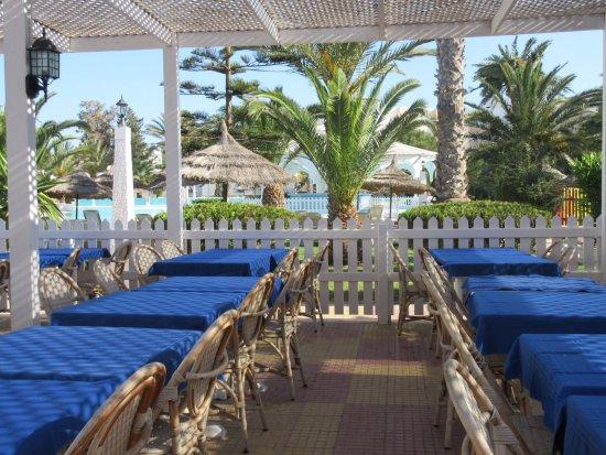 terrasse pour manger dehors photo de hotel club president hammamet tripadvisor. Black Bedroom Furniture Sets. Home Design Ideas