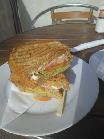 Hollys Coffee Shop & Sandwich Bar: Gorgeous BLT at Holly,s
