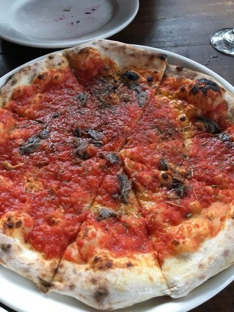 Ridgewood, NY: Pizza with anchovies