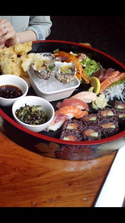 Yamamori Sushi: seafood platter for two :)