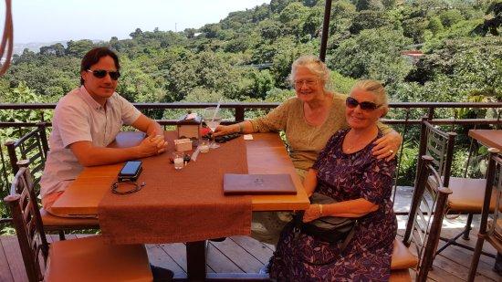 Las Brumas Grill y Café: Orestes Aguiar, Margaret Mary Juan, bsb