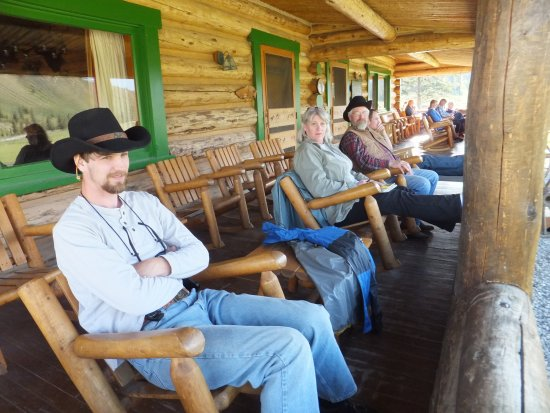 Gallatin Gateway, MT: lodge/dining hall porch
