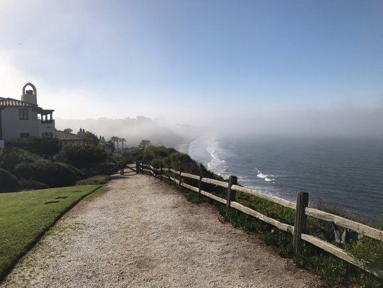 Goleta, CA: Resort coastline