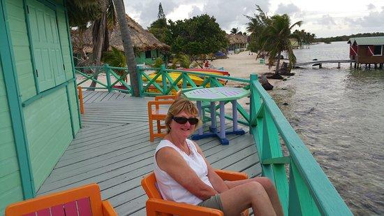 Turneffe-øerne, Belize: The deck at the Palapa Bar.
