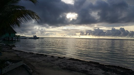 Turneffe Island, Belize: Blackbird Cave sunrise