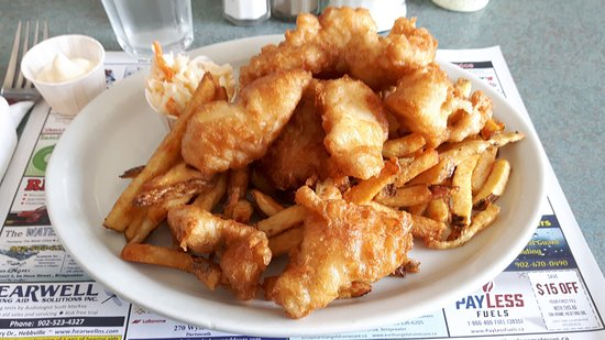 Chester, Canadá: Delicious Haddie Bits - plenty to share! Ordered on a return visit on July 3 2017. Love this pla
