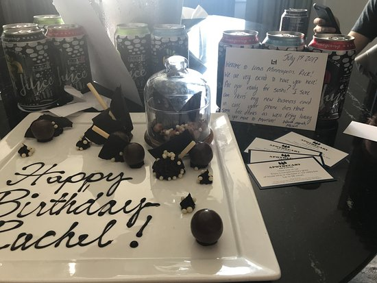 Loews Minneapolis Hotel: handwritten note adds a personal touch!