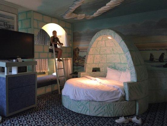 Fantasyland Hotel & Resort: photo0.jpg