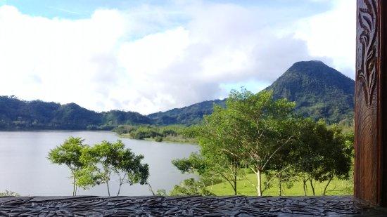 Caldas Department, Colombia: Laguna y cerro tutelar de San Diego, corregimiento de Samaná en el Departamento de Caldas - Colo