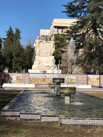Plaza Espana: IMG-20170703-WA0010_large.jpg