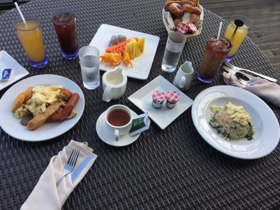 Gayana Eco Resort: A la carte options for breakfast inclusive with room rate