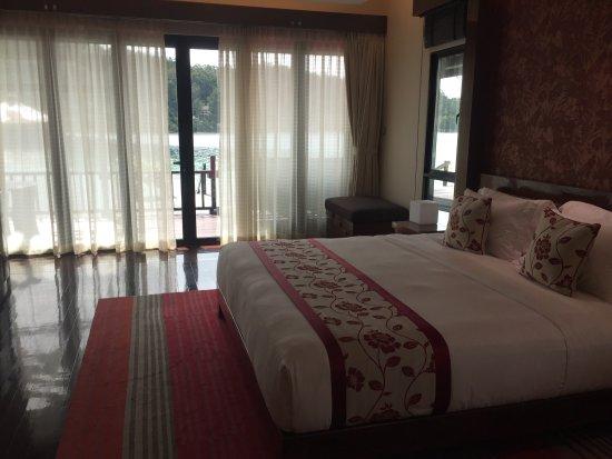 Gayana Eco Resort: Ocean villa room and view + around the resort
