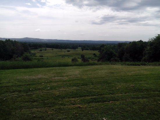 Stillwater, Нью-Йорк: View across the battlefield