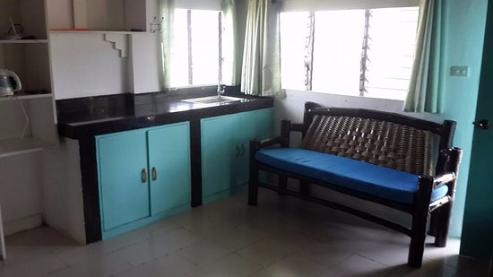 Astonishing Small Coffee Counter And Sink A Sitting Bamboo Bench Inzonedesignstudio Interior Chair Design Inzonedesignstudiocom