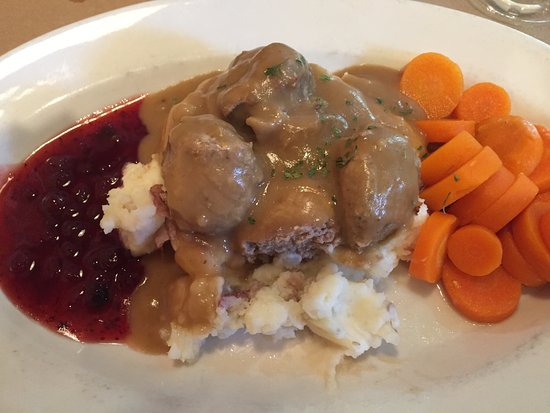 Pedal Pushers Cafe: Meat balls, mashed potatoes & carrots