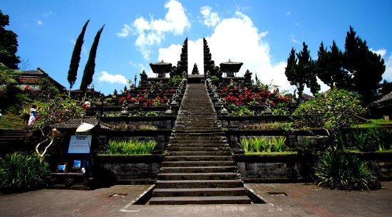 Metri Bali Tours