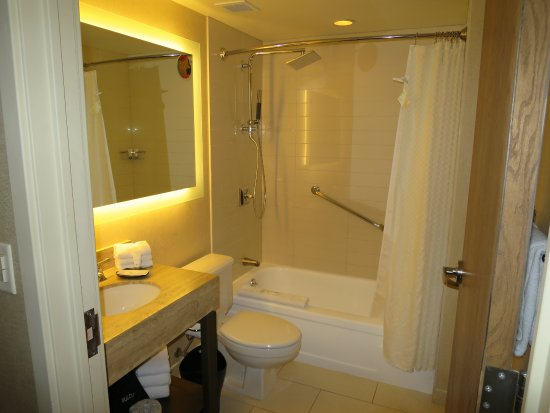 The Westin Snowmass Resort: Room 530 - Pinnacle room - bathroom