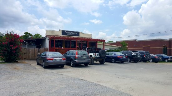 Outlanders southern chicken nolensville restaurant for Dining in nolensville tn