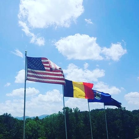 Paradise Hills Winery Resort & Spa :  Tribute flags on the property