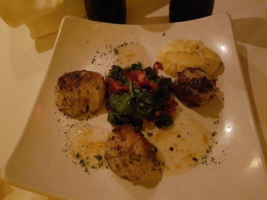 Schlesinger's Steakhouse: Crab Cakes