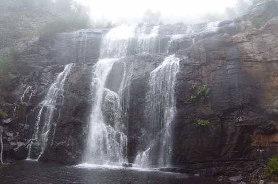 Hamilton, Austrália: MacKenzie Falls in the early morning, in June after rainfall.