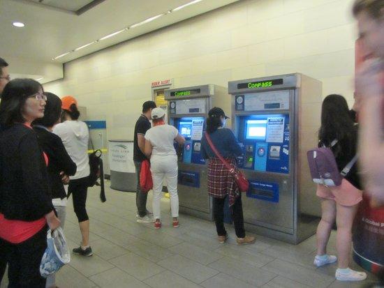 Tourism Vancouver Visitor Centre: Oakridge Train station