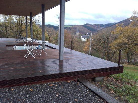 Jacuzzi auf der Terrasse - Wellnessbereich oberhalb des Hotels ...
