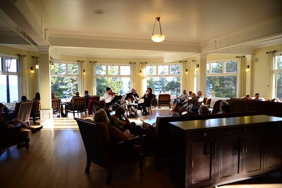 Lake Yellowstone Hotel Dining Room: String Quartet In Hotel Yellostone  Sitting Area. Outside The