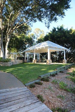 Clear Mountain, Austrália: Function areas in grounds