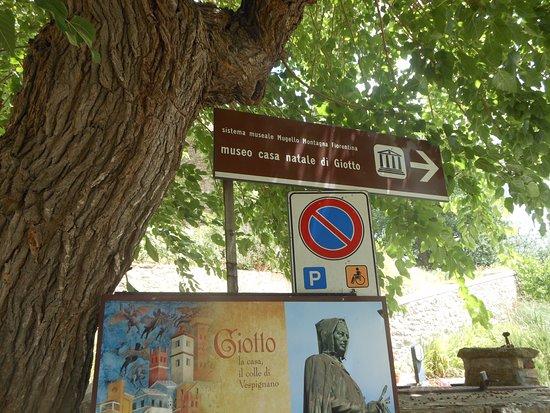 Casa Di Giotto : cartello turistico all'ingresso della casa