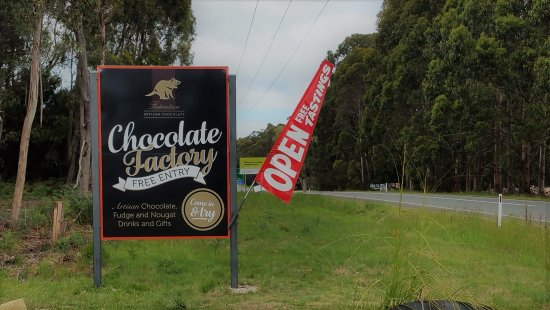 Taranna, Australia: You see the sign you'll smell the Chocolate