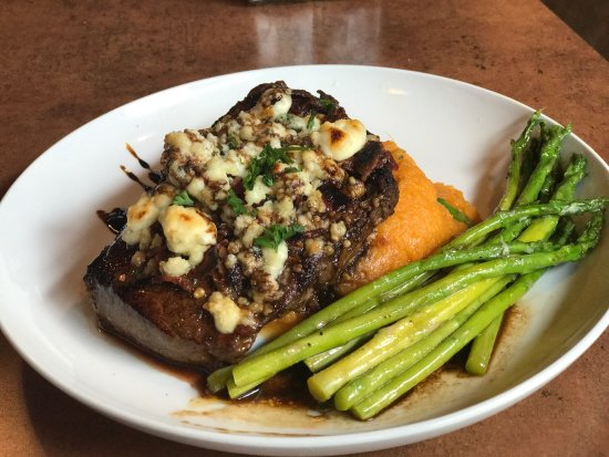 Weaverville, Kuzey Carolina: Twisted laurel dinner specials