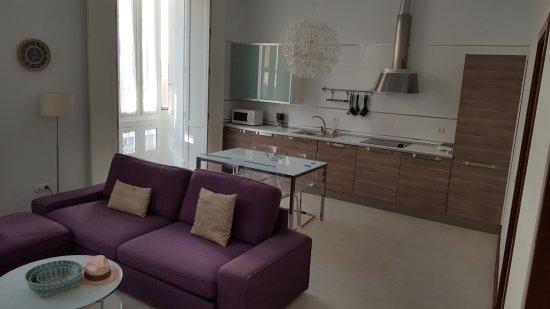 Casa Palacio Cadiz: 20170630_202316_large.jpg