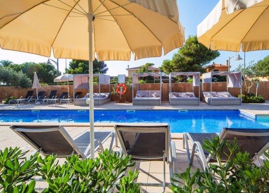 Apartotel skyline menorca hotel ciudadela espagne for Apart hotel espagne