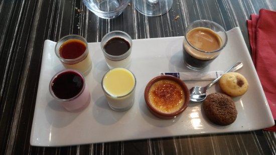 Plestin les Greves, France: café gourmand