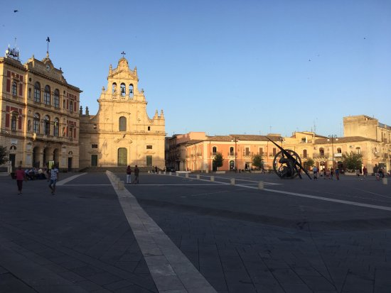 View from our table to the Piazza Carlo Maria Carafa, in Grammichele