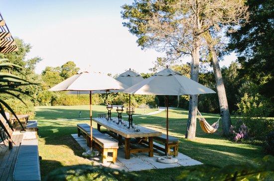 Harkerville, Sudafrica: Zinzi Restaurant Outdoor Dining ©lindapauline.se