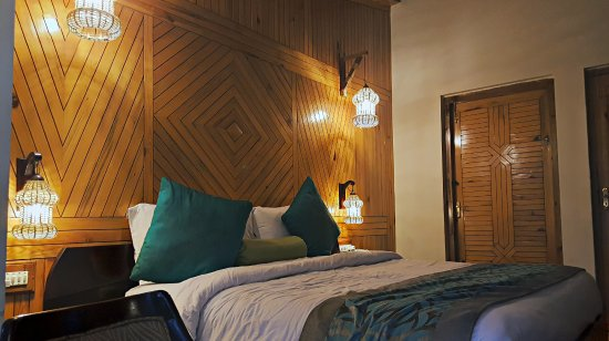 mountain club  80    u03369 u03364 u0336  - updated 2018 prices  u0026 resort reviews - bhimtal  india