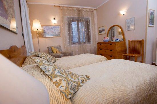 Casperia, Italia: Twin family room