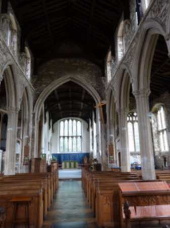 Buckden, UK: Interior from the font to the altar